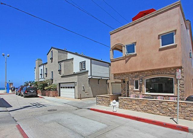 Newport Beach Tuscan Style Family Home! 1 House from Beach w/ Views! (68244) - Newport Beach, California