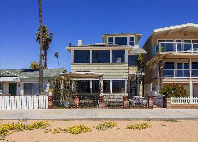 Spectacular 3 Story Oceanfront 6 Bedroom, 6 Bathroom Property! (68331) - Newport Beach, California