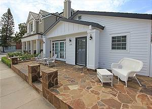 Adorable Peninsula Point Home w/Front & Back Patios! (68104)