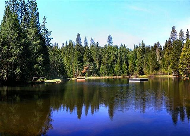 Snowshoe Springs amenities include a large pristine meadow as well as Snowshoe Lake