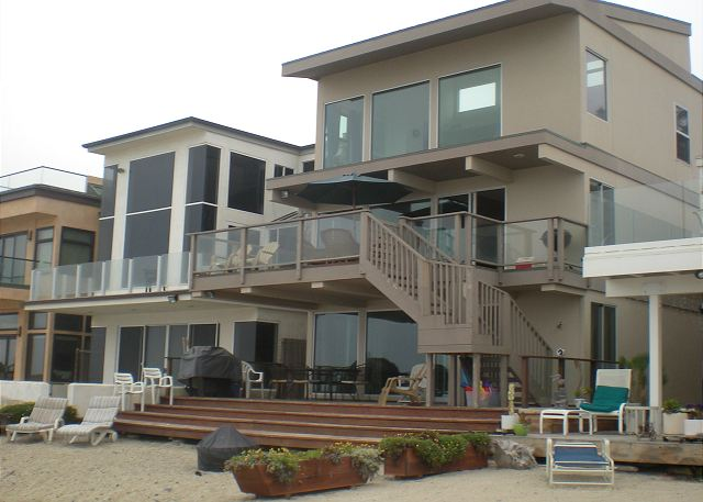 35065 Beach Road - Sleeps 10-16