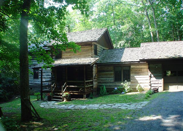 Authentic log cabin in quiet setting in Todd, NC just minutes from West Jefferson and Boone.