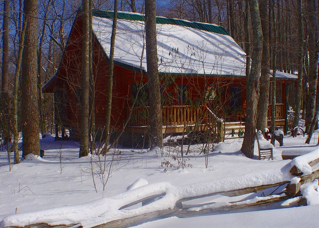 A true tranquil winter setting at this cabin with easy access.