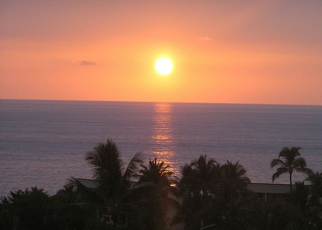 Watch for the Green Flash from your lanai. Beautiful Hawaiian Sunsets nearly every night in the community where Kings lived.