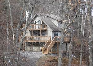 2 Bedrooms / 2 Bath, Hot Tub, Pool Table, Indoor Whirlpool, Wooded Setting