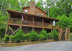 1 Bedroom / 1.5 Bath Log Cabin, Hot Tub, Whirlpool, Covered Decks, Wooded