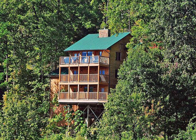cabins gatlinburg upscale lodge htm cherokee large luxurious luxury tn