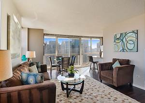 28th Floor 2 Bedroom / 2 Bathroom Magnificent Mile