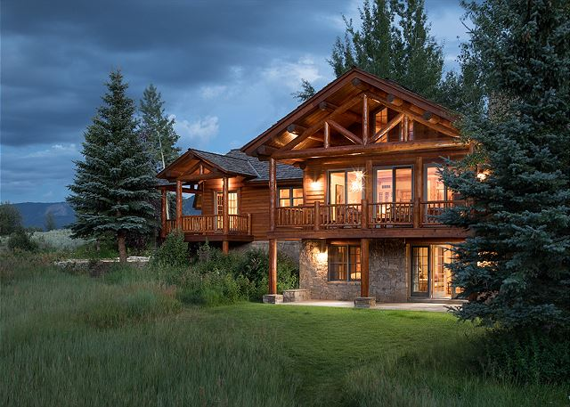 Two Elk Lodge   Luxury Villa Cabin Rental   Jackson Hole, WY