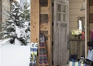 Entryway - Fish Creek Lodge - Teton Village Luxury Cabin Rental