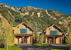 Exterior - Fish Creek Lodge - Teton Village Luxury Cabin Rental