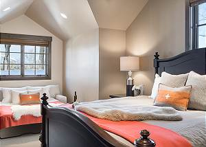 Guest Bed 2 - Jackson Hole Golf and Tennis - Luxury Cabin Rental