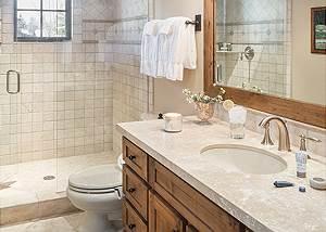 Guest Bath 1 - Jackson Hole Golf and Tennis - Luxury Cabin