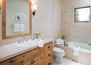 Guest Bath - Granite Ridge Lodge - Luxury Teton Village Cabin