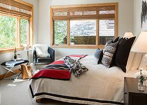 Guest Bed 2 - Granite Ridge Lodge - Luxury Teton Village Cabin
