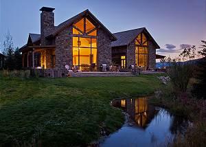 Fish Creek Lodge 02