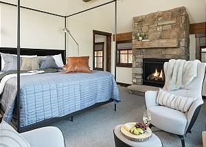 Master Bedroom - Fish Creek Lodge - Teton Village Luxury Cabin