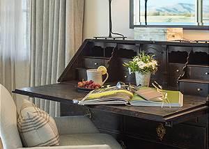 Master Bed - Lodge at Shooting Star - Teton Village Luxury Cabin