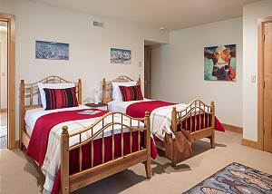 Guest Bed 3 - Two Elk Lodge  - Luxury Cabin  - Jackson Hole