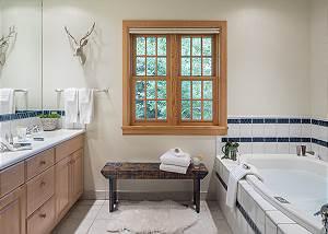 Master Bath - Two Elk Lodge  - Luxury Cabin  - Jackson Hole, WY