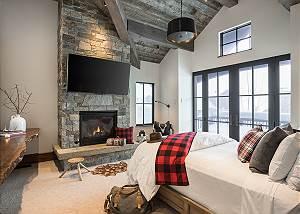 Guest Bed 1 -  Lake Vista - Teton Village Luxury Private Vila