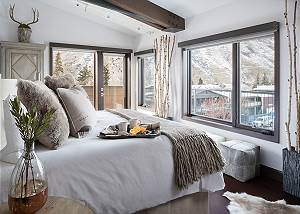 Master Bed - Pearl at Jackson - Luxury Penthouse Jackson Hole