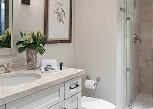 Guest Bedroom 1 Bathroom - Four Pines - Teton Village Luxury Cab