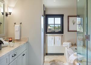 Guest Bedroom 4 Bathroom - Four Pines - Teton Village Luxury Cab