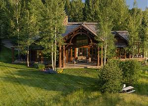Back Exterior - Grizzly Wulff Lodge - Luxury Cabin Jackson Hole