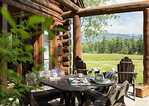 Patio - Grizzly Wulff Lodge - Luxury Cabin - Jackson Hole, WY