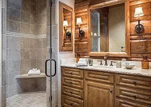 Master Bath - Royal Wulff Lodge - Luxury Villa Rental Jackson