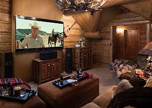 Media Loft - Royal Wulff Lodge - Luxury Villa Jackson Hole, WY