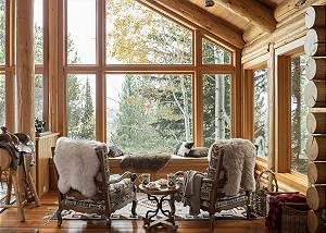 Sitting Area of Great Room - Rocking V - Private Cabin in the Wo