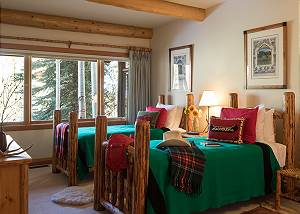 Guest Bedroom 3 - Rocking V - Private Cabin in the Woods - Jacks