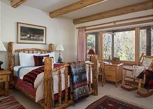 Guest Bedroom 2 - Rocking V - Private Cabin in the Woods - Jacks
