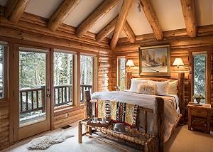 Master Bedroom - Rocking V - Private Cabin in the Woods - Jackso