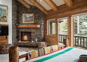 Master Bedroom Fireplace - Rocking V - Private Cabin in the Wood