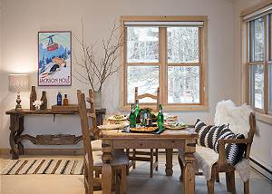 Dining - Moose Creek - Slopeside Luxury Cabin Teton Village