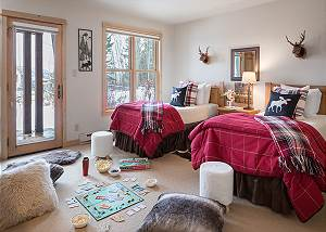 Guest Bed 2 - Moose Creek - Slopeside Luxury Cabin Teton Village