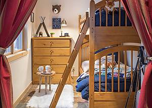 Bunk Room - Moose Creek - Slopeside Luxury Cabin Teton Village