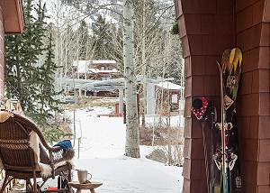 Ski Lift from Front Door - Moose Creek - Slopeside Luxury Cabin
