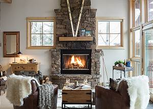 Fireplace - Moose Creek - Slopeside Luxury Cabin Teton Village