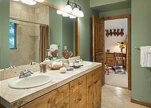 Guest Bathroom - Holly Haus - Teton Village Luxury Villa Rental