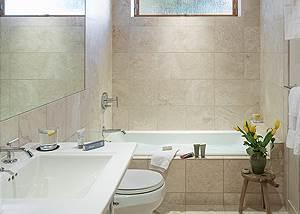Guest Bath - Villa at May Park - Luxury Villa Rental Jackson Hol