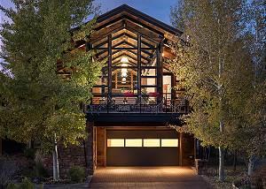 Front Exterior - Villa at May Park - Luxury Villa Jackson Hole