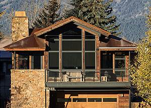 Front Exterior - Villa at May Park - Luxury Villa Jackson Hole