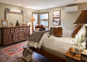 Master Bed -Villa at May Park - Luxury Villa Rental Jackson Hole