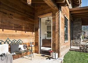 Entry - Fish Creek Lodge - Teton Village Luxury Cabin Rental