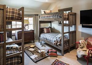 Bunk Room - Fish Creek Lodge - Teton Village Luxury Cabin Rental