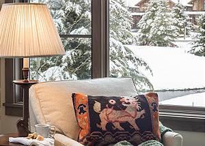 Junior Master Seating - Fish Creek Lodge - Teton Village Luxury